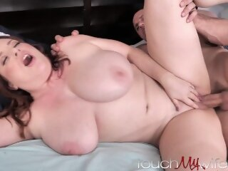 huge busty touchmywife butt tits big boobs